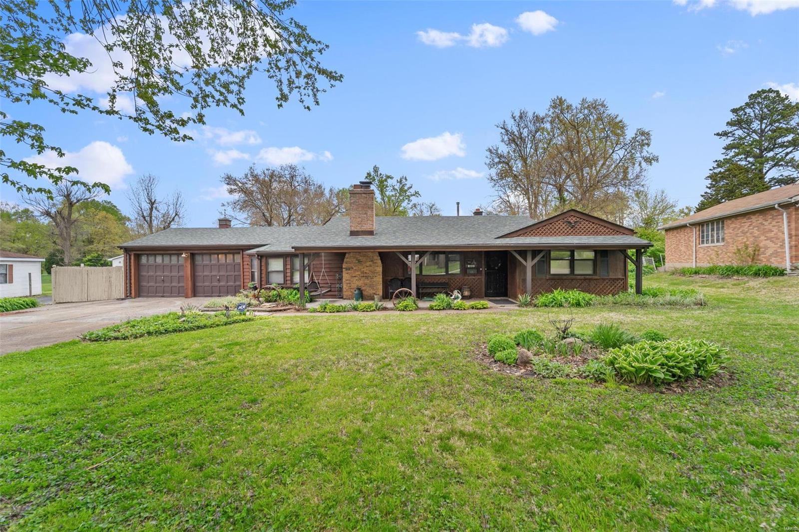 8133 Gardner Ln Property Photo - Berkeley, MO real estate listing