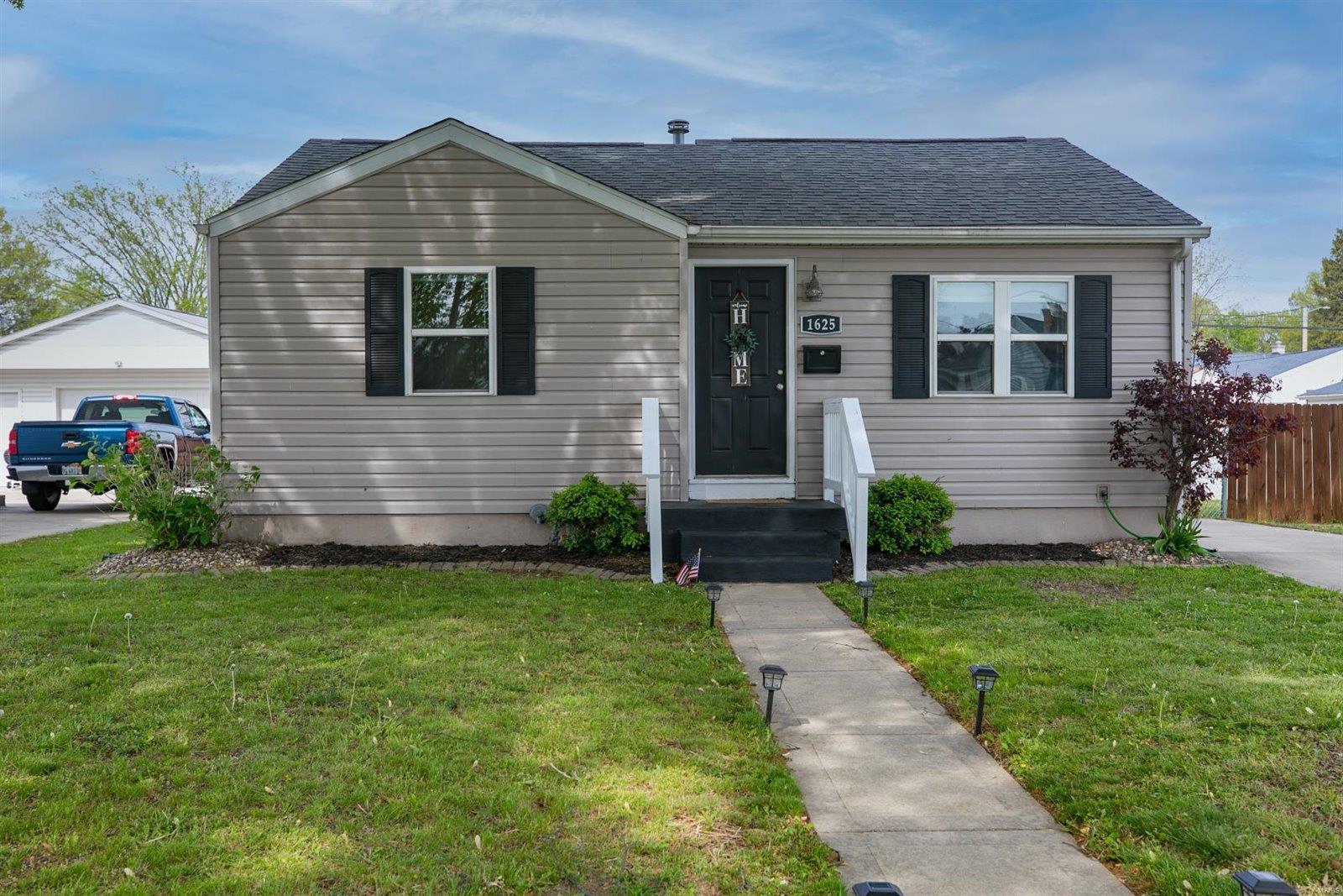 1625 Mitchell Avenue Property Photo - Granite City, IL real estate listing