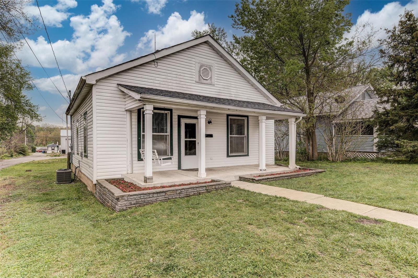 660 E College Street Property Photo - Troy, MO real estate listing