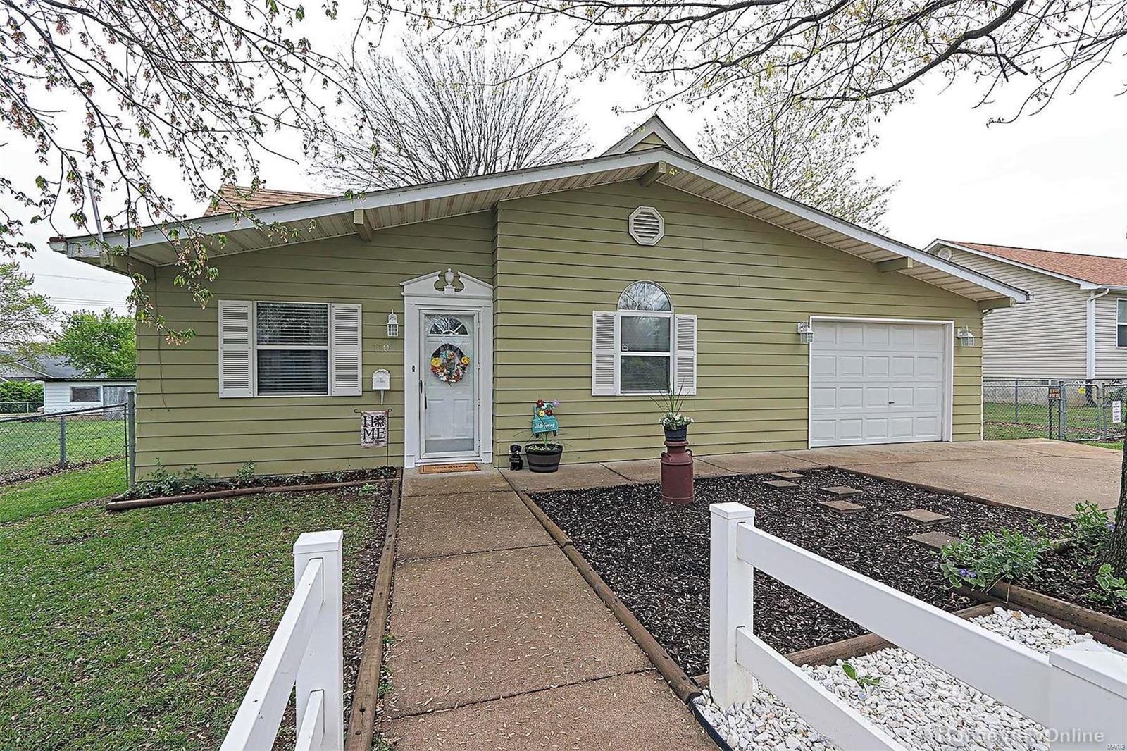 110 N Waller Property Photo - Desloge, MO real estate listing