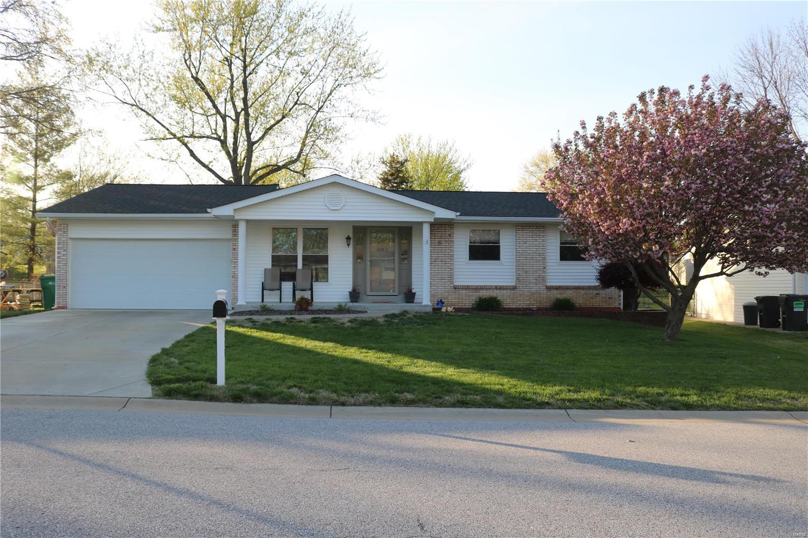 1013 Arlington Drive Property Photo - St Charles, MO real estate listing