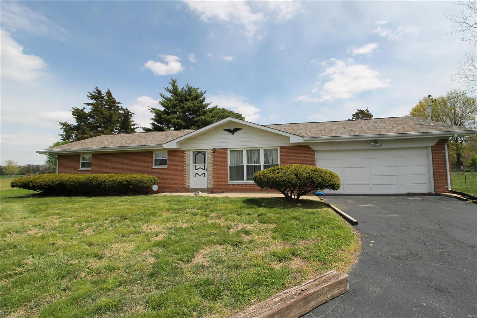 6124 Floraville Road Property Photo - Millstadt, IL real estate listing