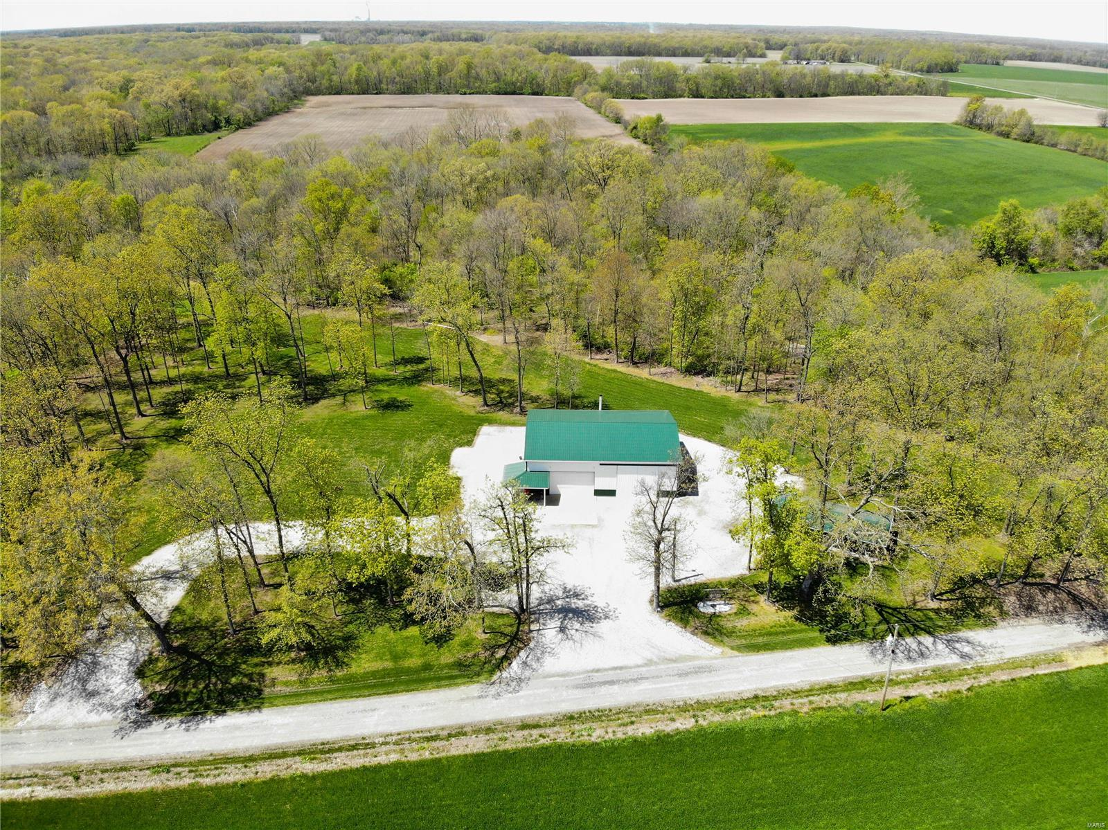 4697 Cleveland Road Property Photo - Oakdale, IL real estate listing