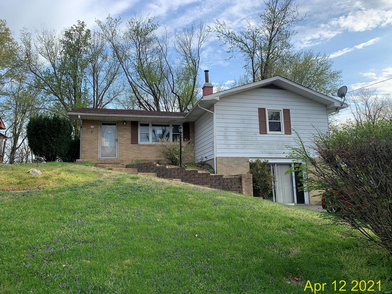 53 Arnold Drive Property Photo - Dupo, IL real estate listing