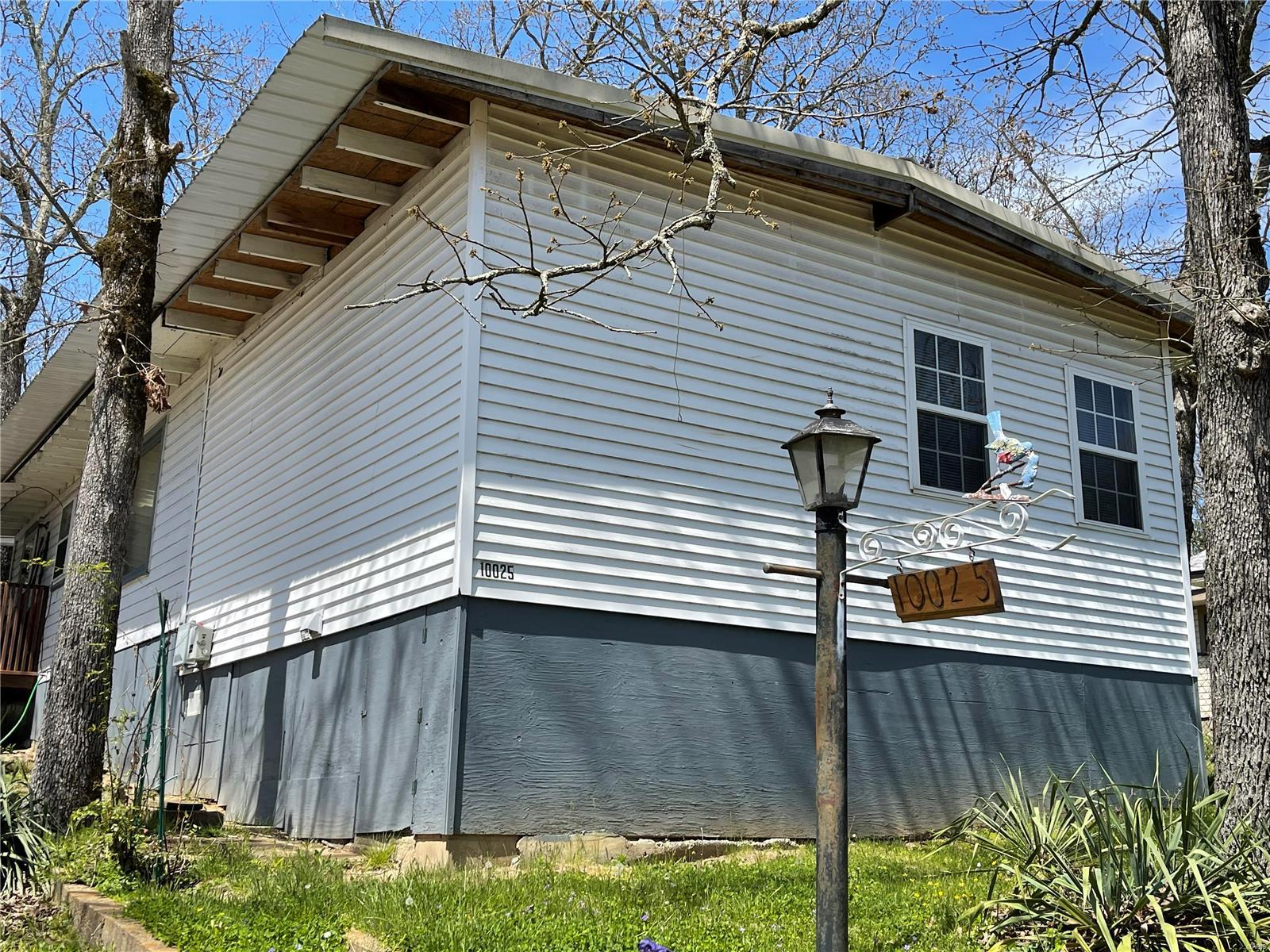 10025 Whippoorwill Drive Property Photo - Bismarck, MO real estate listing