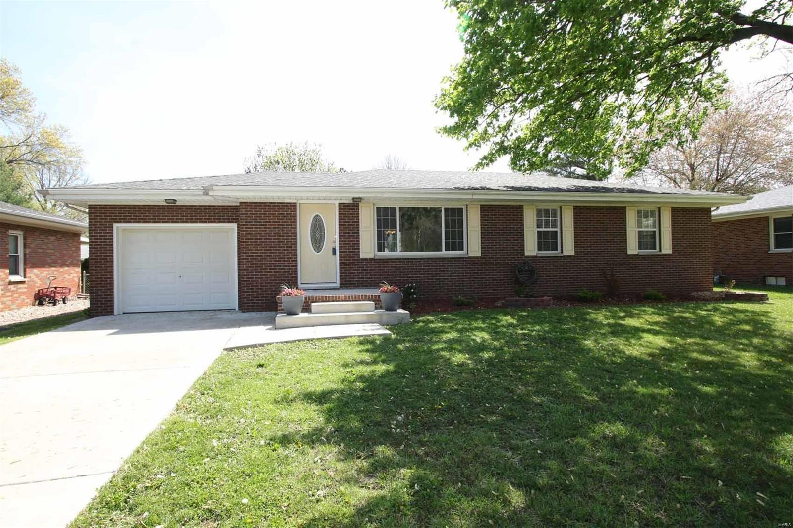 320 N Center Street N Property Photo - Rosewood Heights, IL real estate listing