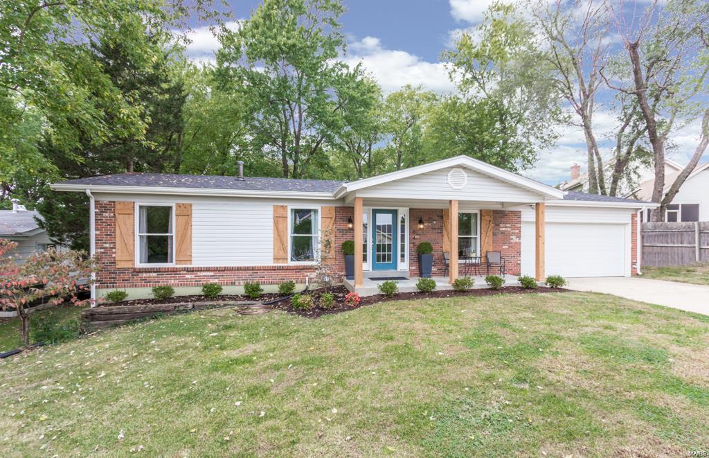 645 Lenjer Property Photo
