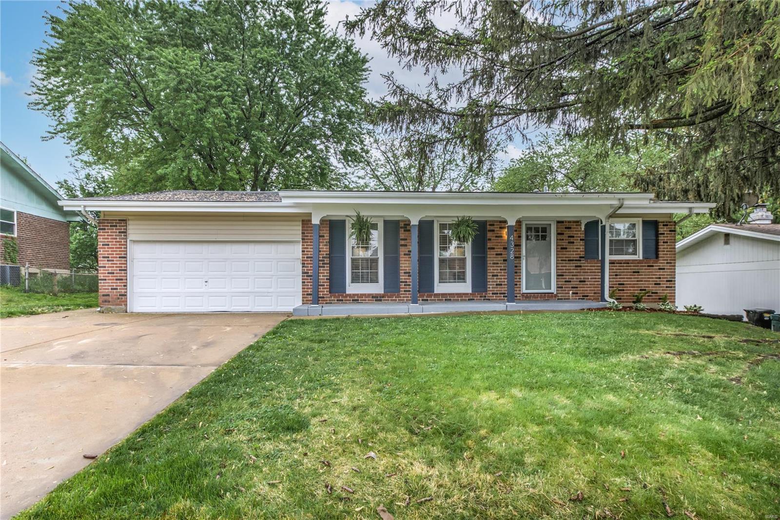 4328 Varano Drive Property Photo - Florissant, MO real estate listing