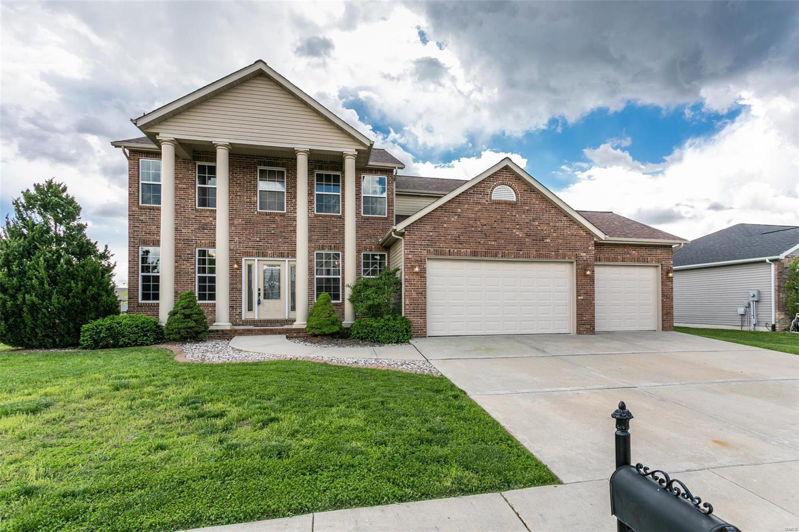 416 Chadwyck Drive Property Photo - Glen Carbon, IL real estate listing