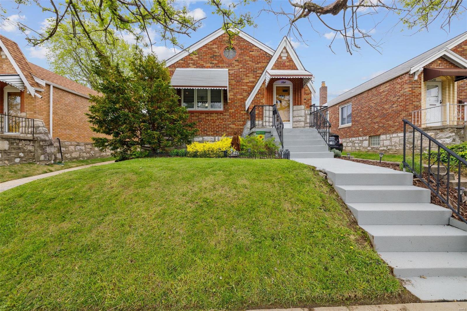 Bella Villa Real Estate Listings Main Image