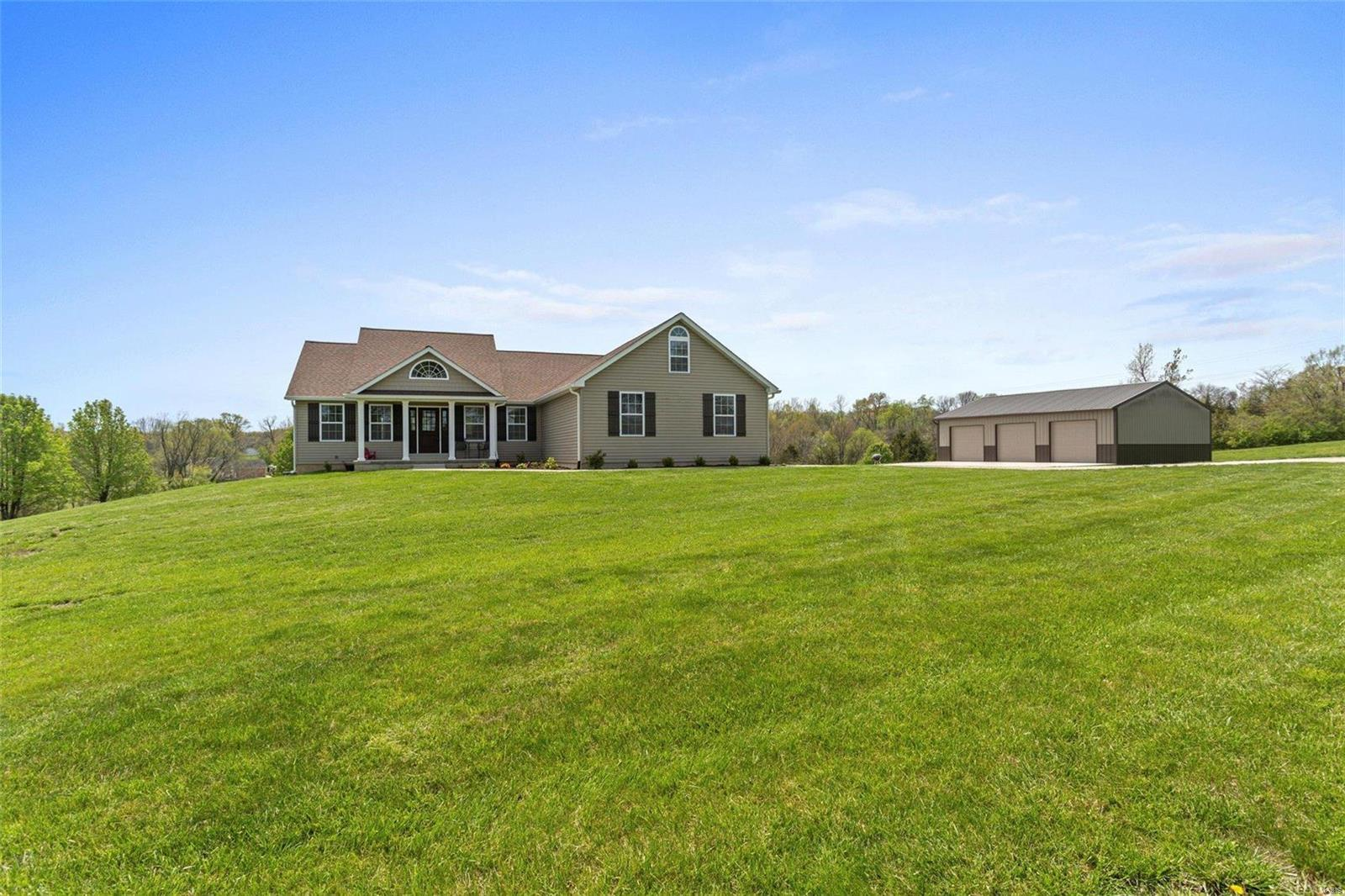 216 Saddle Creek Ranch Property Photo - Villa Ridge, MO real estate listing