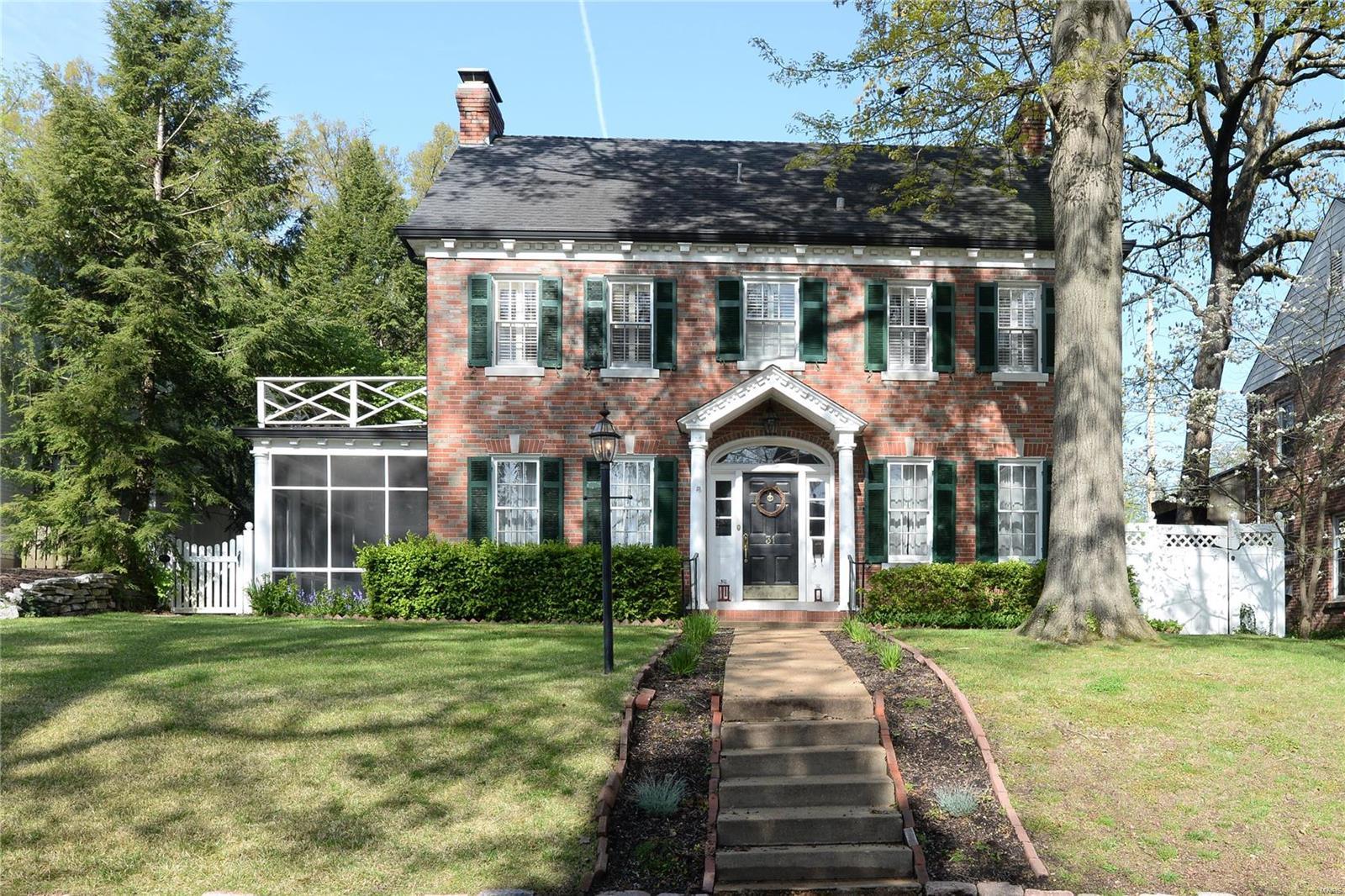 31 Algonquin Wood Property Photo - Glendale, MO real estate listing