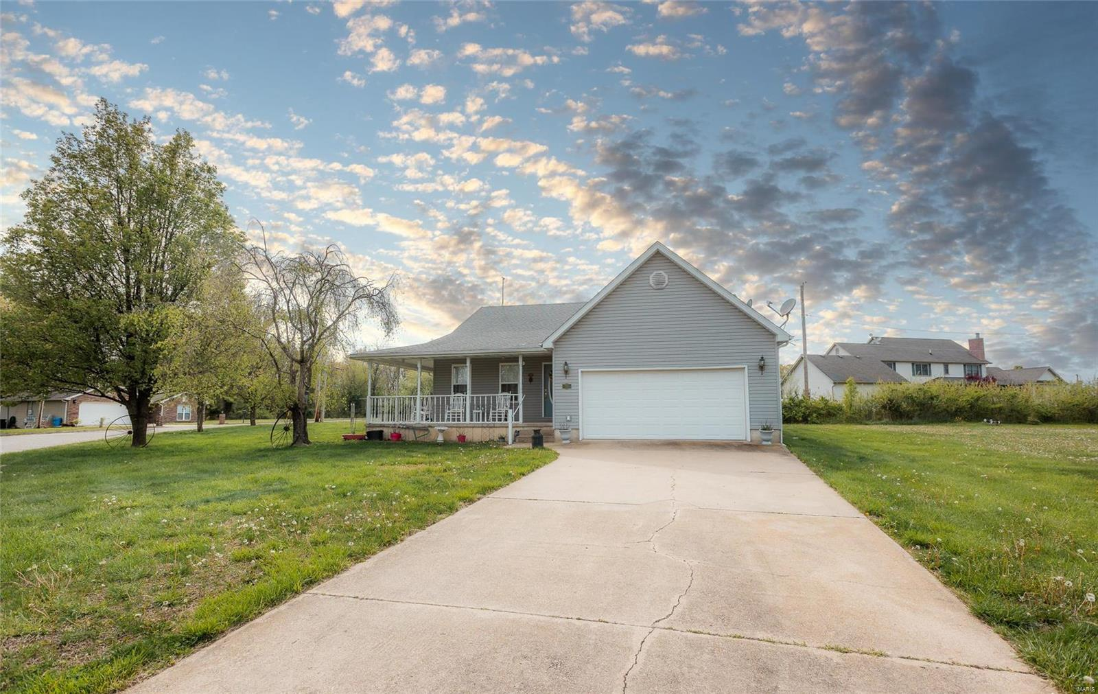 15 Flora Drive Property Photo - Richland, MO real estate listing