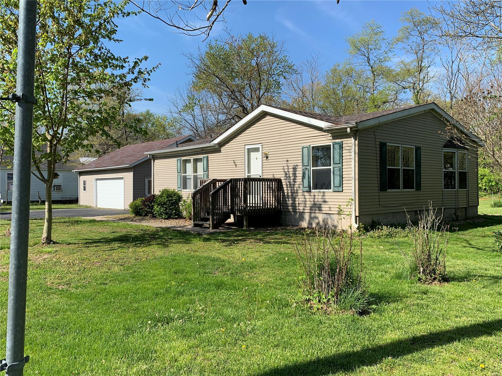 306 Division Street Property Photo - Taylor Springs, IL real estate listing