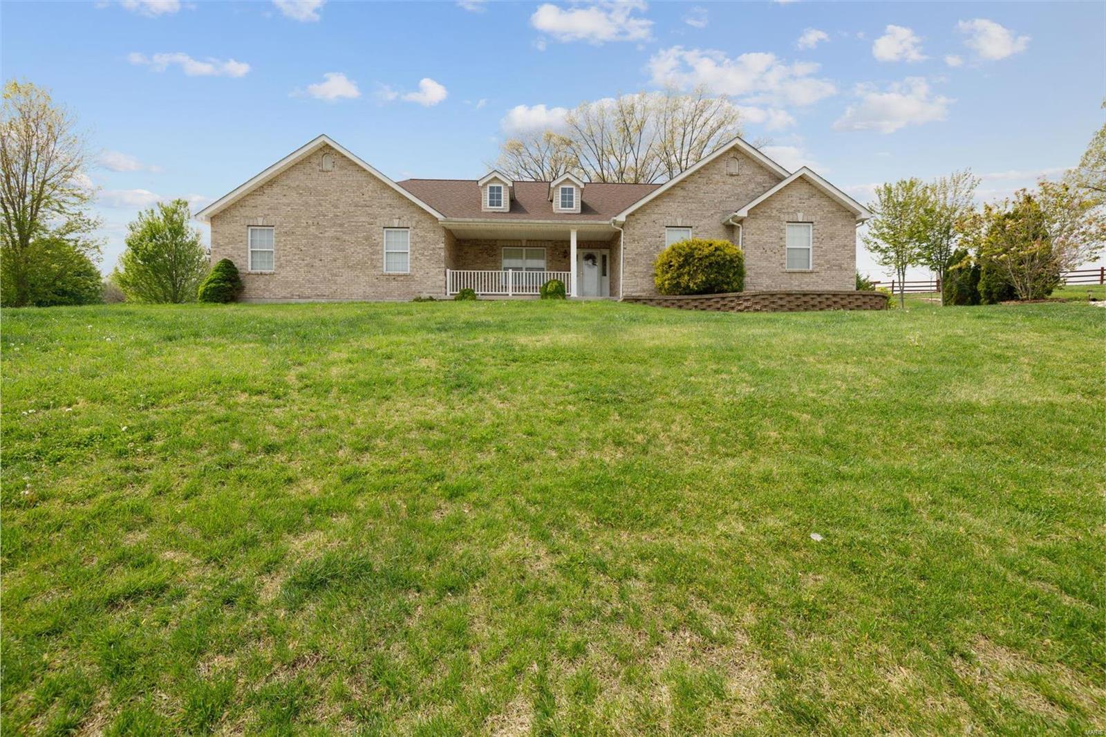 6 King Arthur Court Property Photo - Hillsboro, MO real estate listing