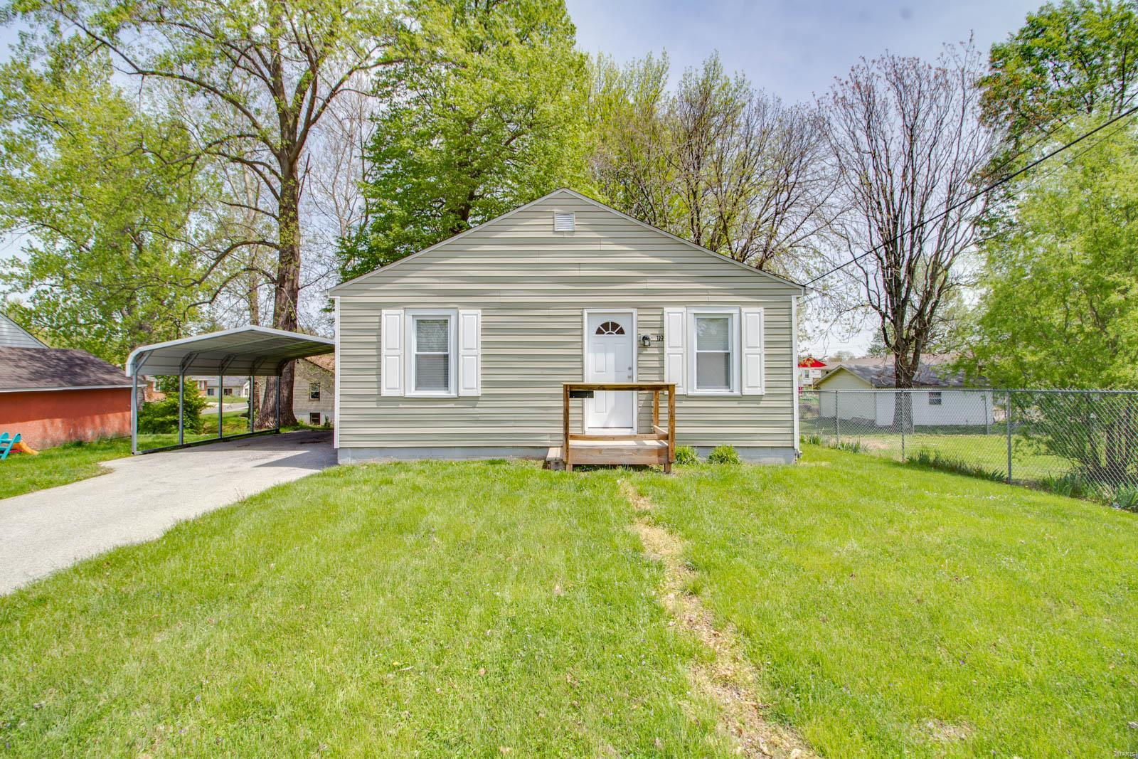 119 Maple Street Property Photo - Cottage Hills, IL real estate listing