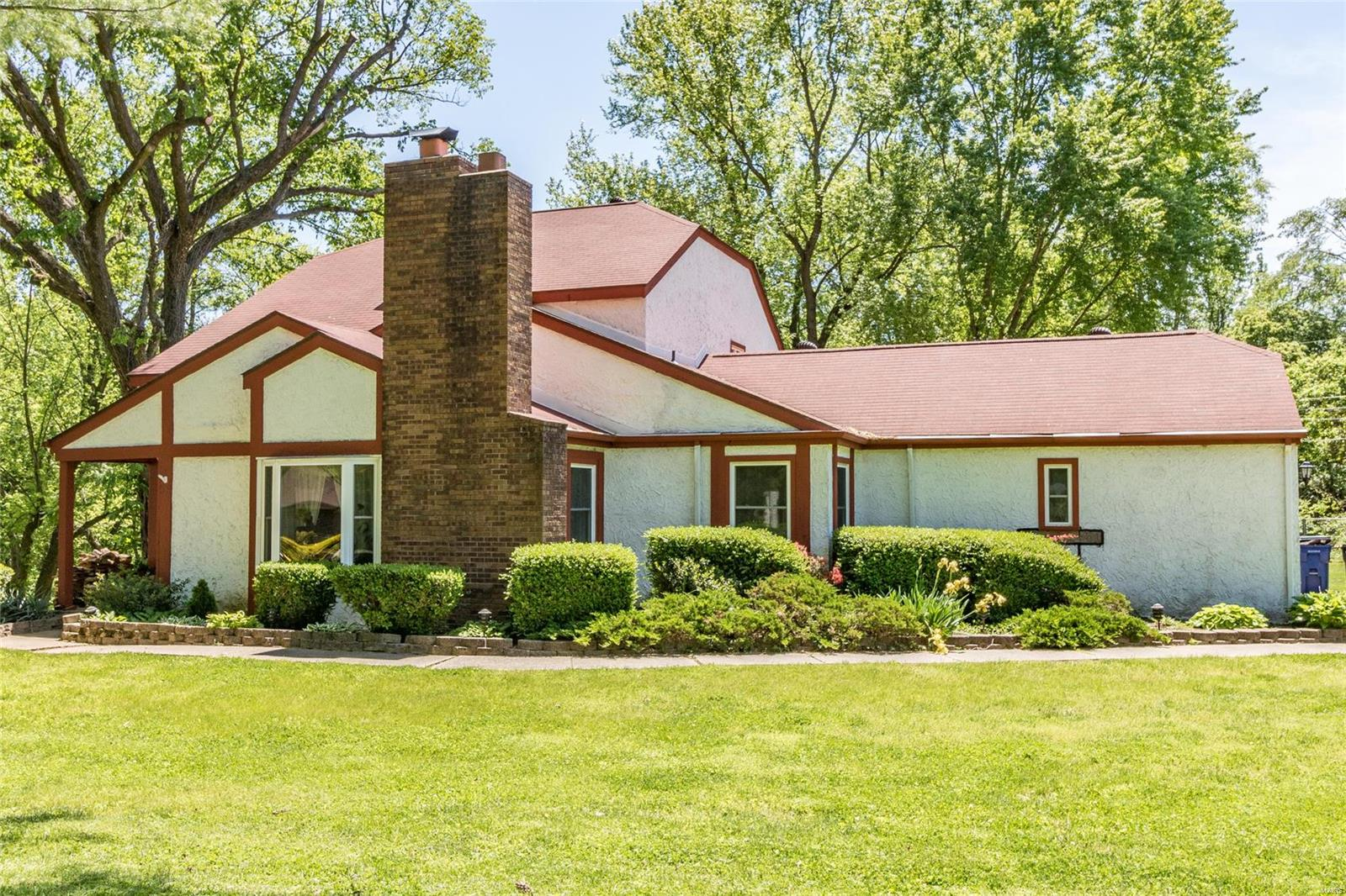 133 Kings Property Photo - Florissant, MO real estate listing
