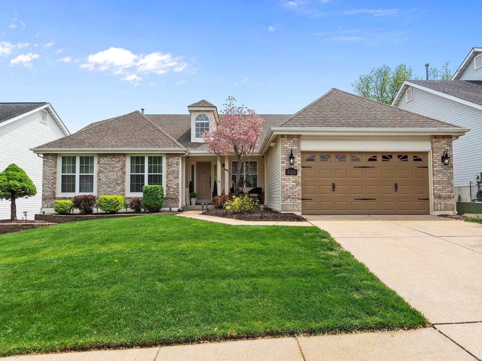Arlington Glen Ph One Real Estate Listings Main Image