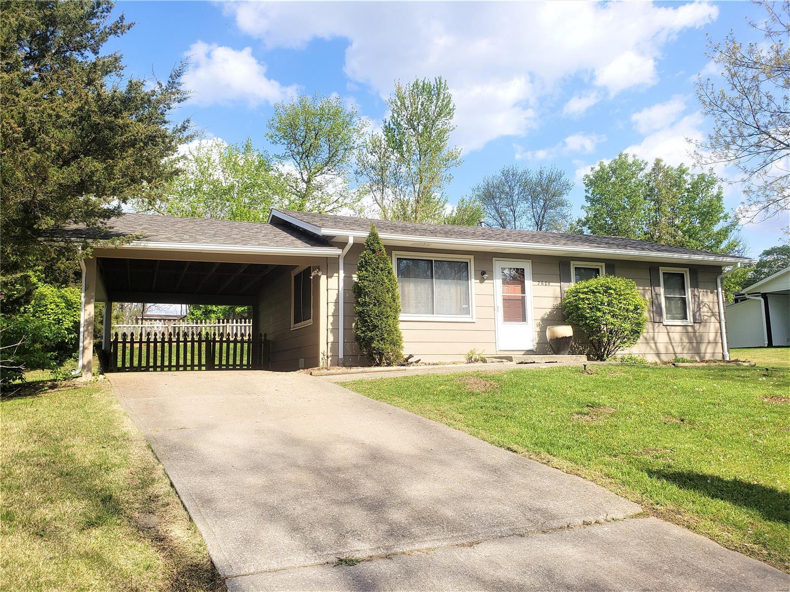 2604 Glenn Drive Property Photo - Columbia, MO real estate listing