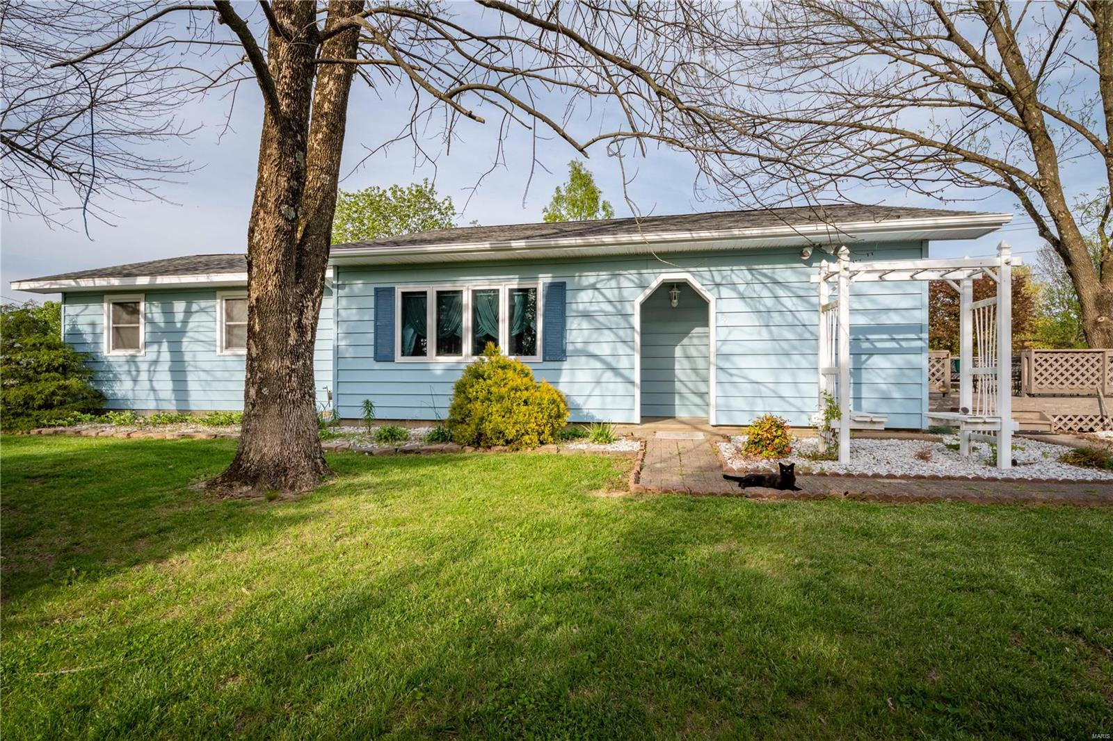 135 Evergreen Property Photo - Goreville, IL real estate listing