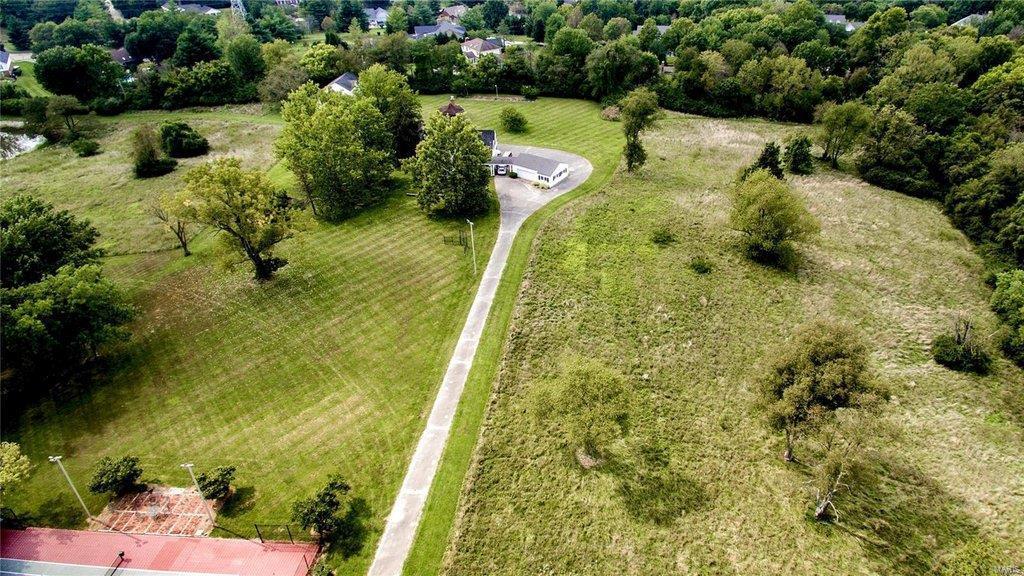 1285 Dry Ridge Property Photo - St Louis, MO real estate listing