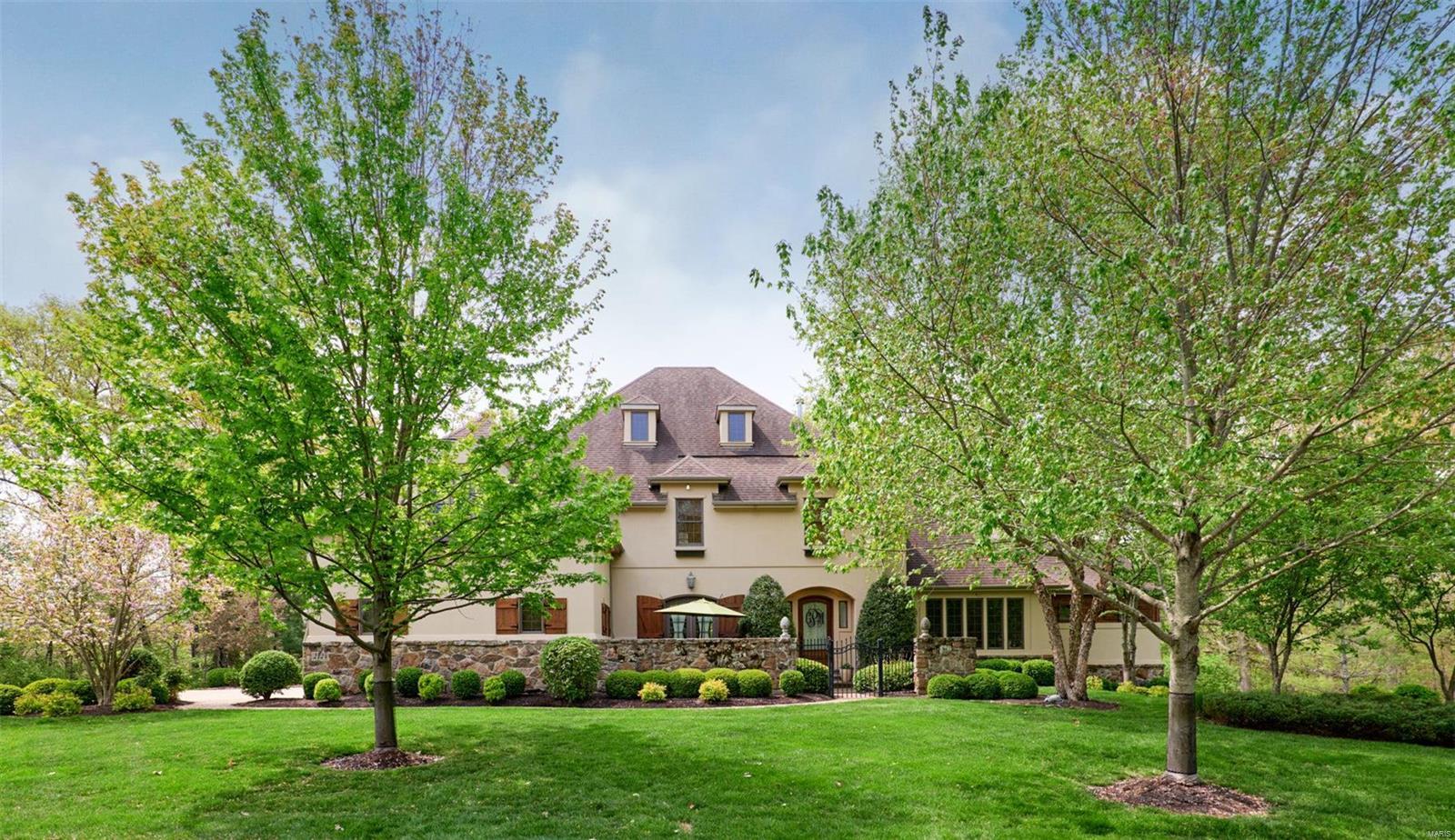 2124 Saddle Creek Ridge Court Property Photo - Wildwood, MO real estate listing