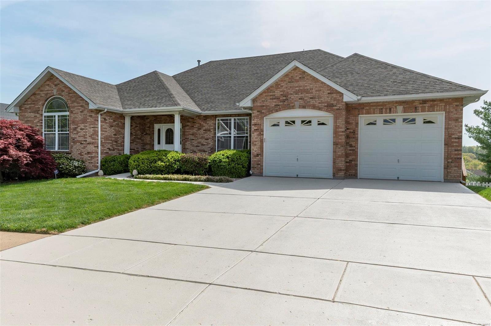 6006 Hagemann Road Property Photo - Mehlville, MO real estate listing