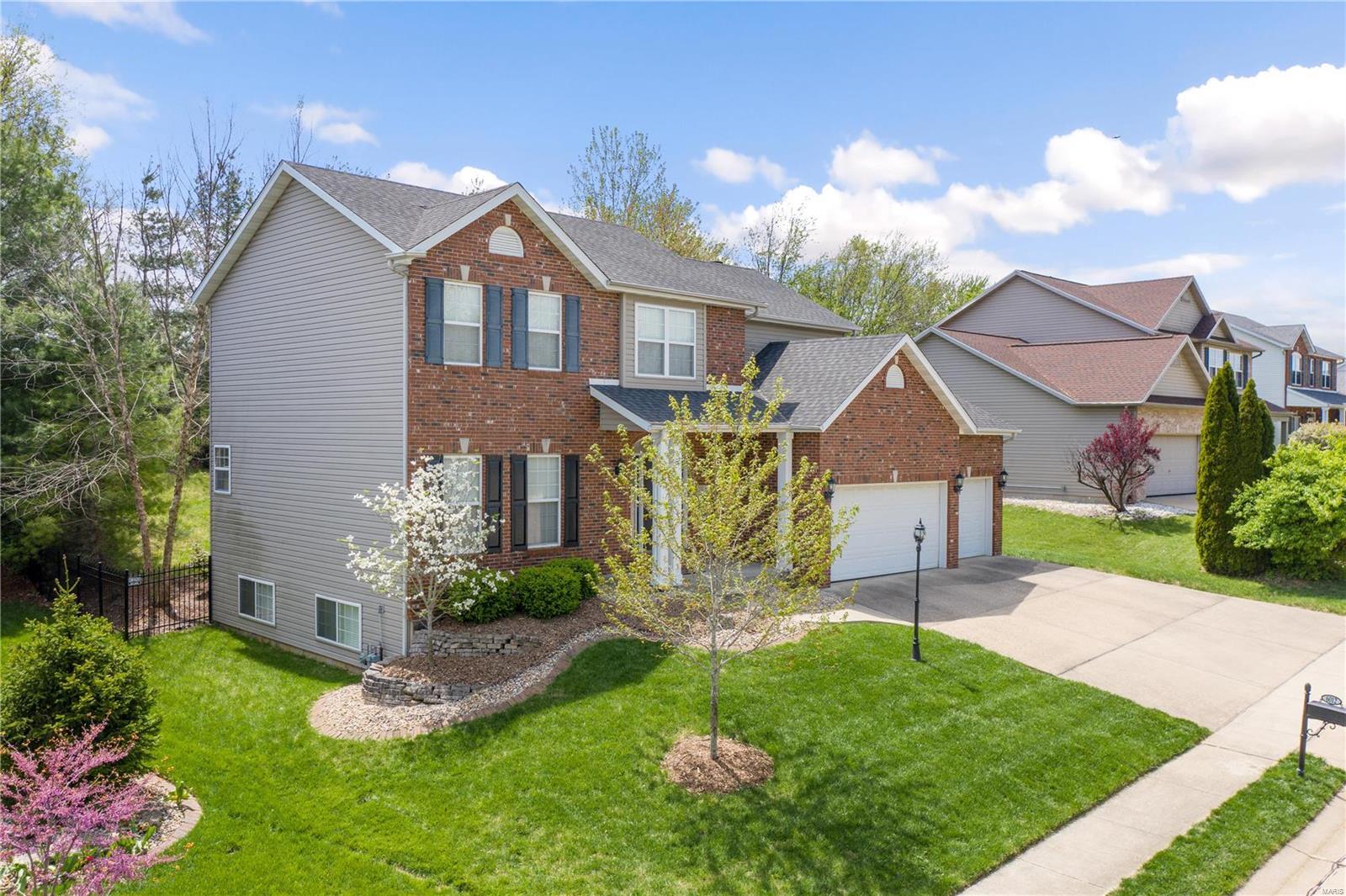 6012 TIMBERWOLFE Drive Property Photo - Glen Carbon, IL real estate listing