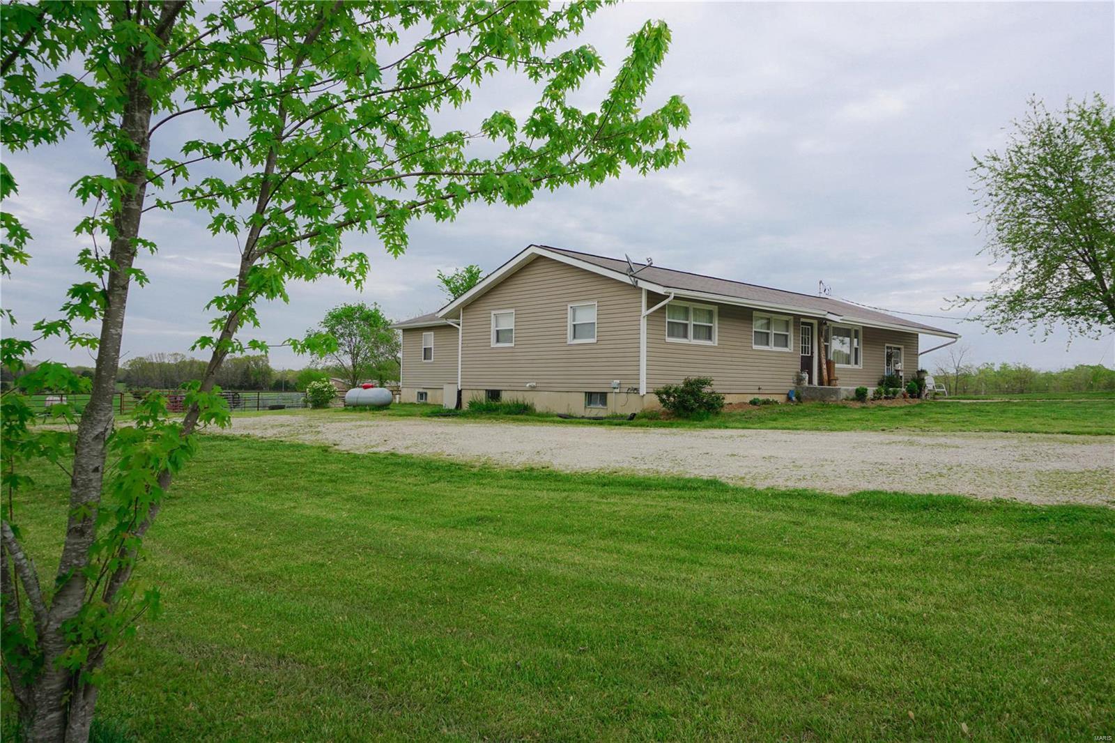 2523 E Highway 32 Property Photo
