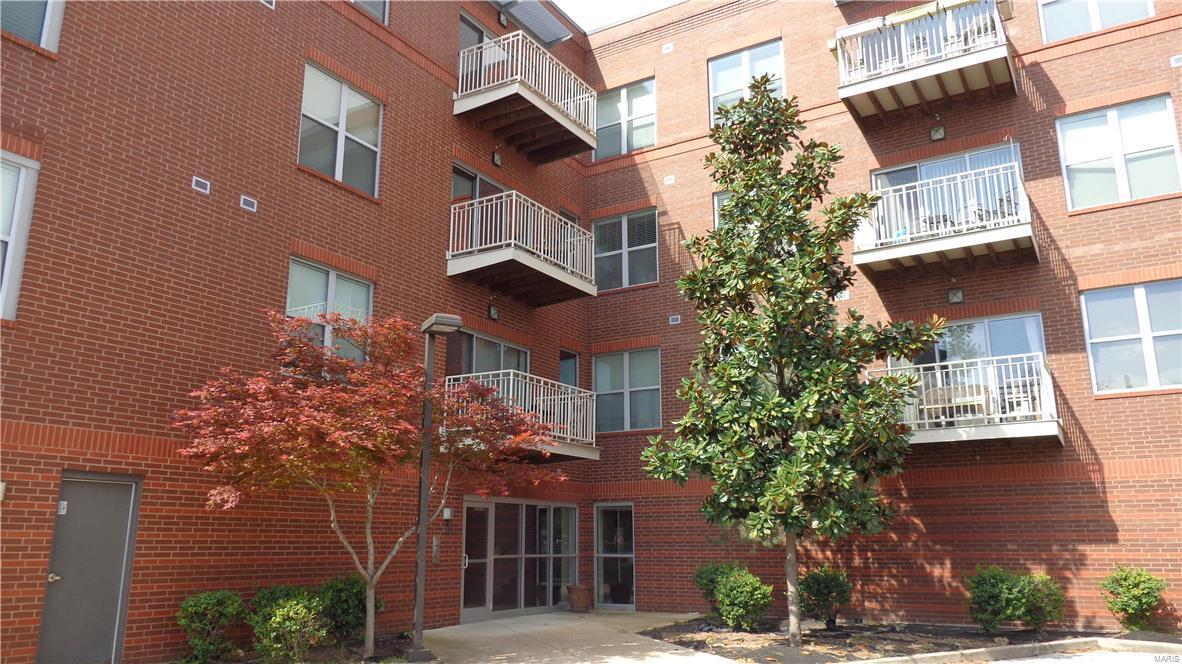 849 Loop Living Condo Real Estate Listings Main Image