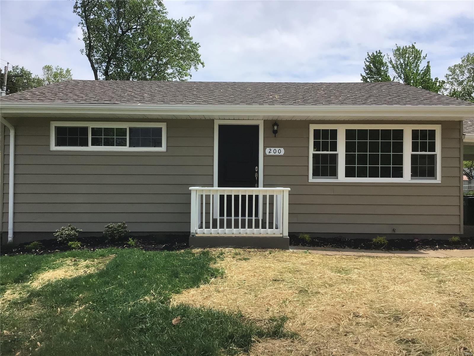 200 Rayburn Avenue Property Photo