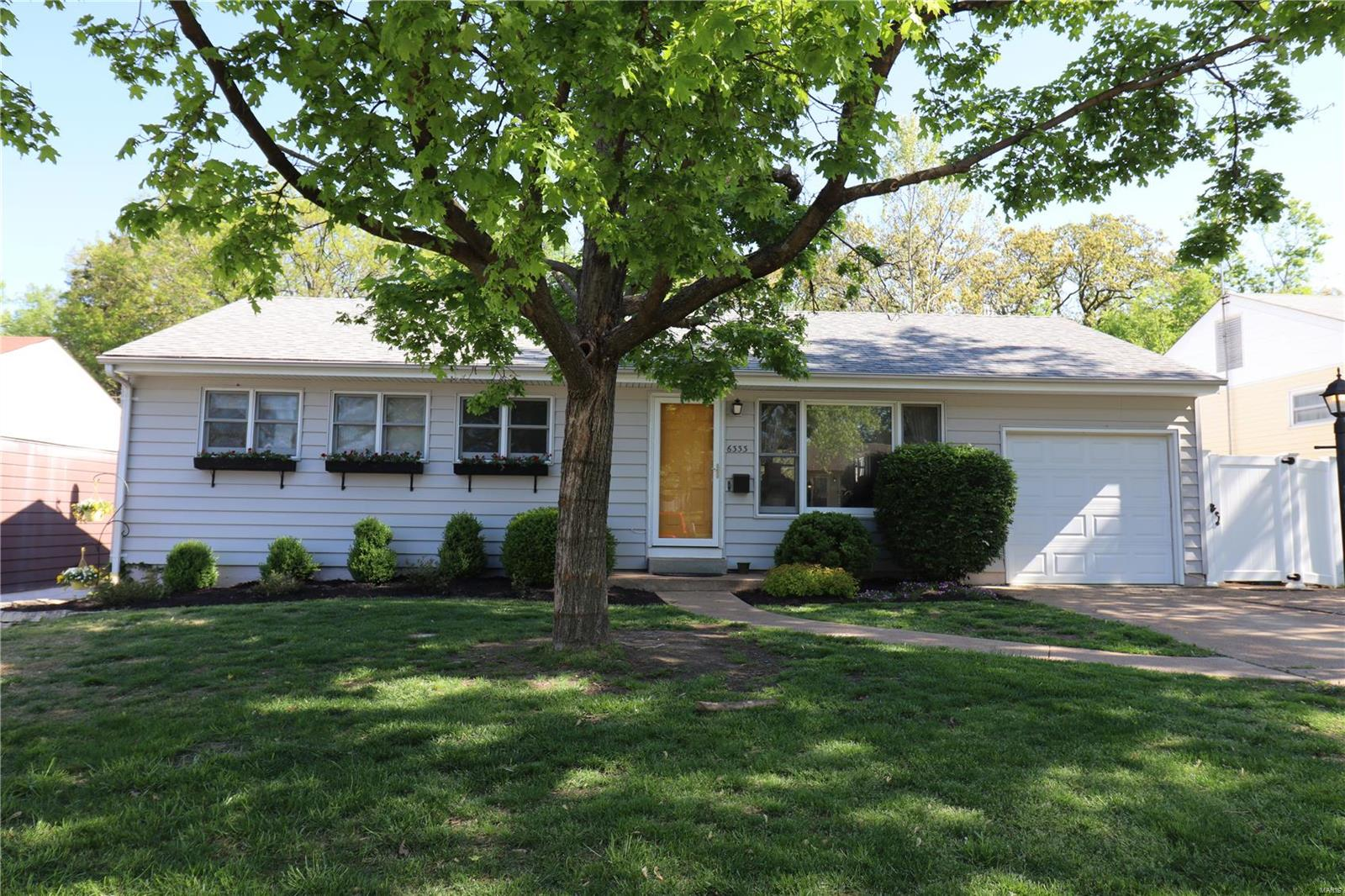 6333 Hurstgreen Lane Property Photo - Affton, MO real estate listing
