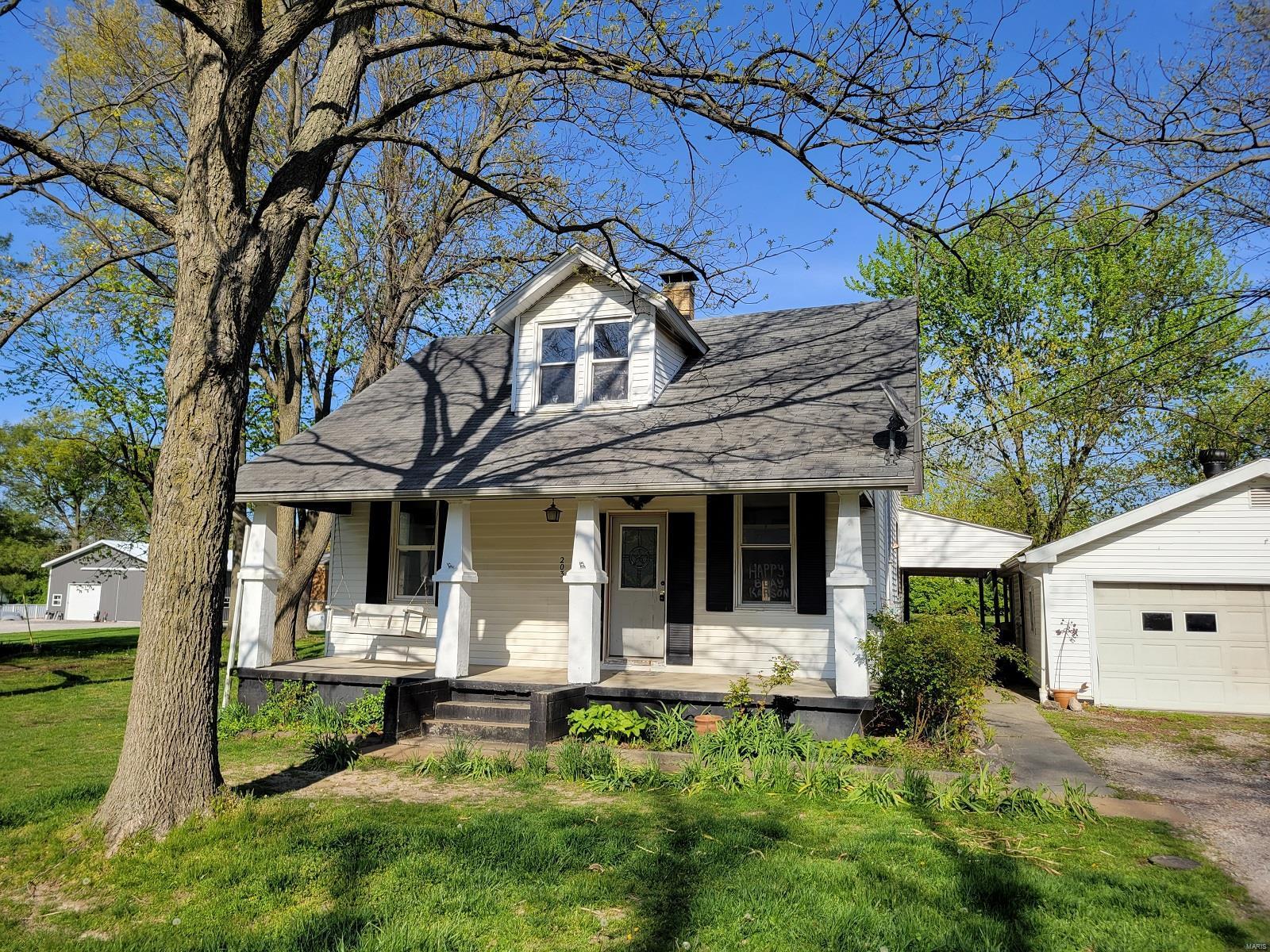 203 S Walnut Street Property Photo - Freeburg, IL real estate listing