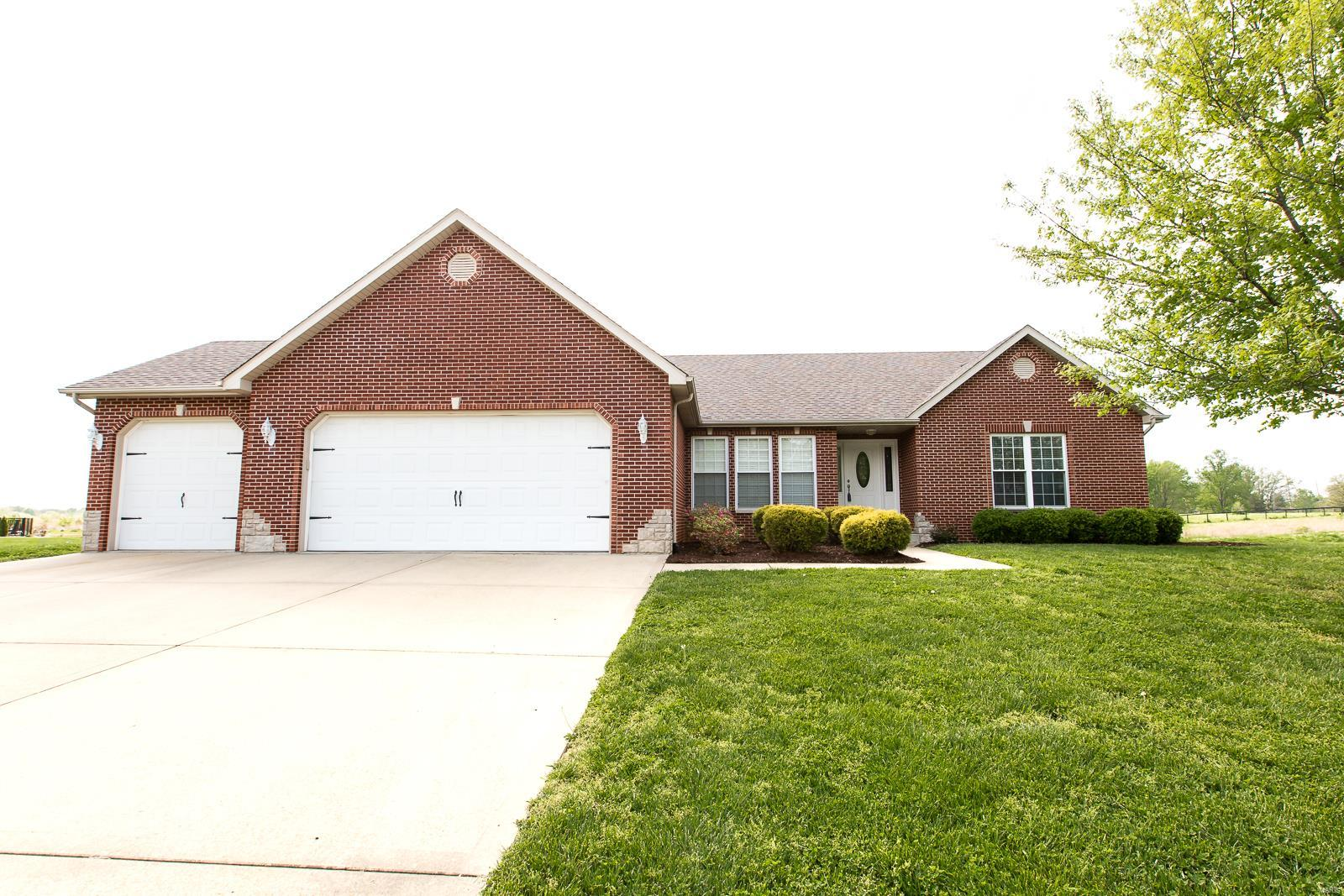 139 Wyndrose Estates Drive Property Photo - Belleville, IL real estate listing