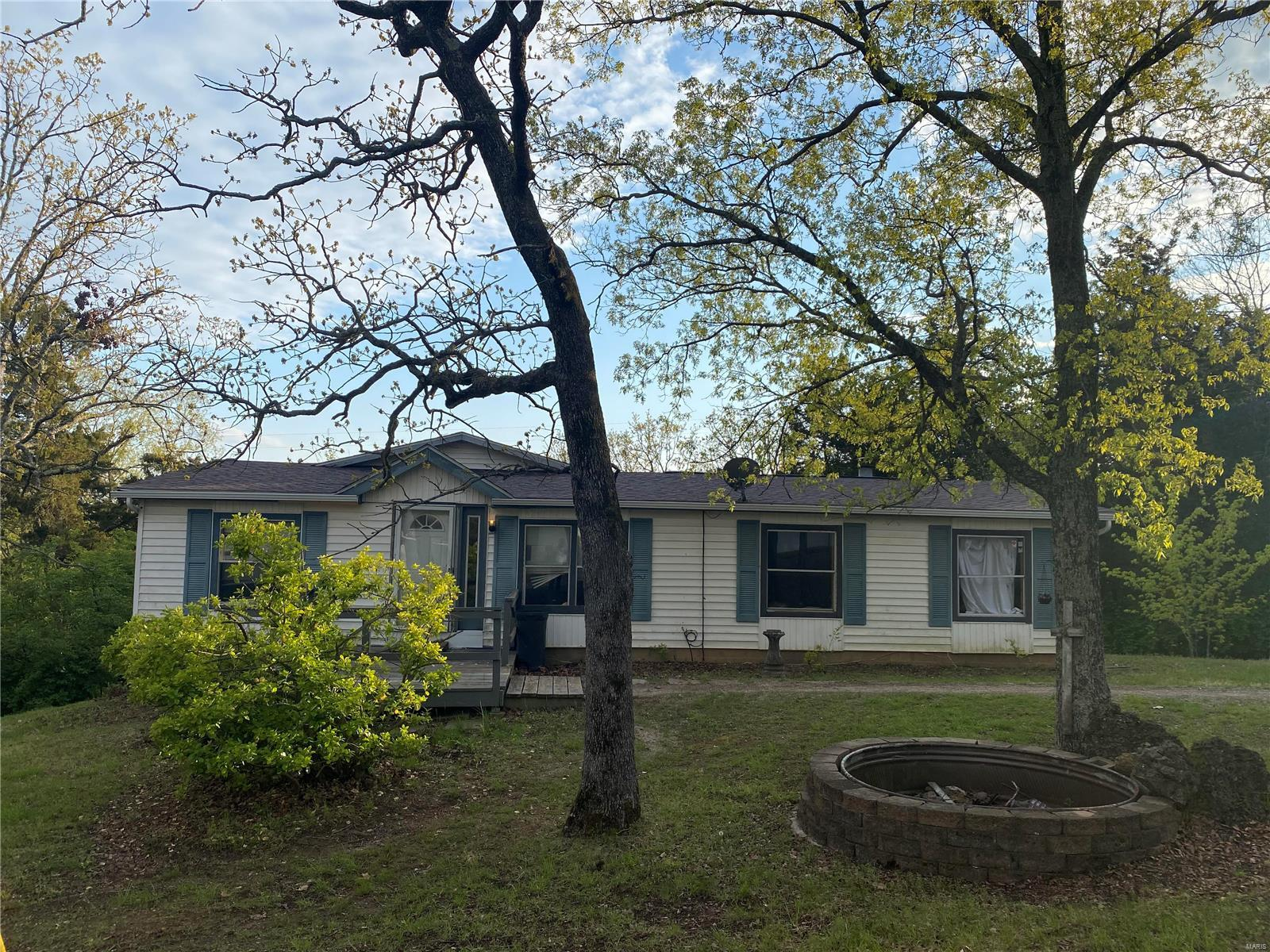 9821 Woodland Rd Property Photo