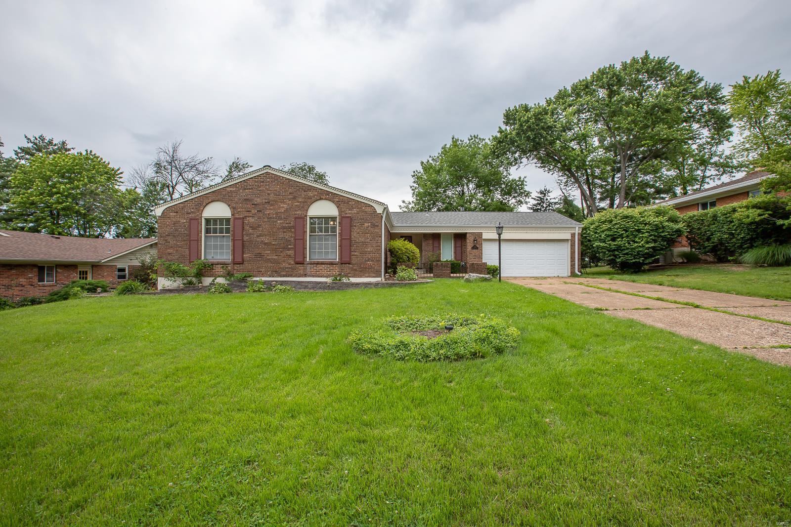 1009 Bridgeport Drive Property Photo - Ellisville, MO real estate listing