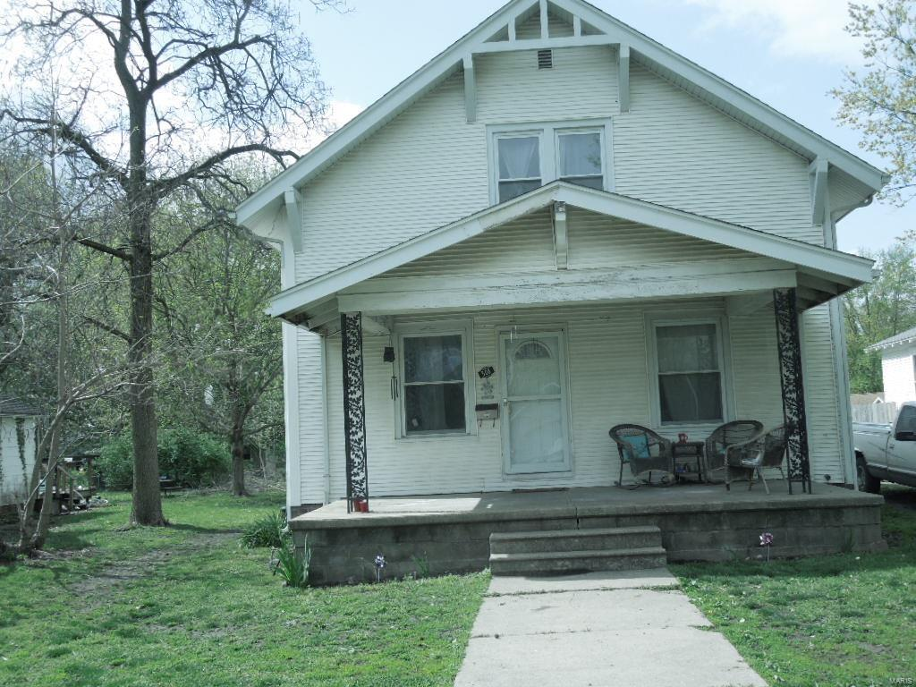 508 W UNION W Property Photo - Nokomis, IL real estate listing