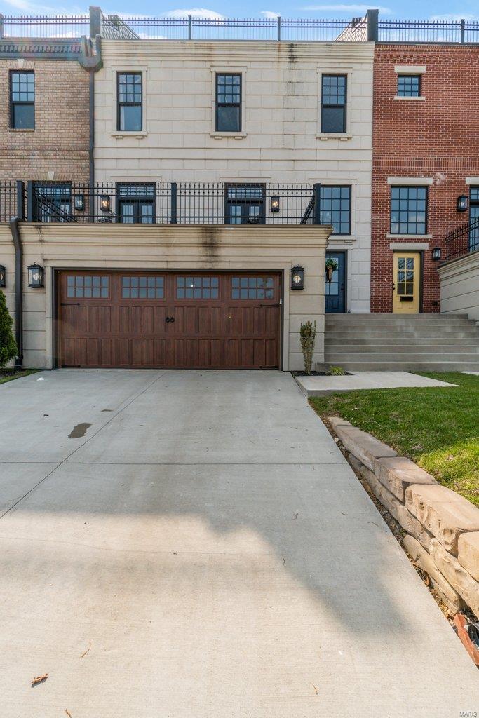 329 N Main Street Property Photo