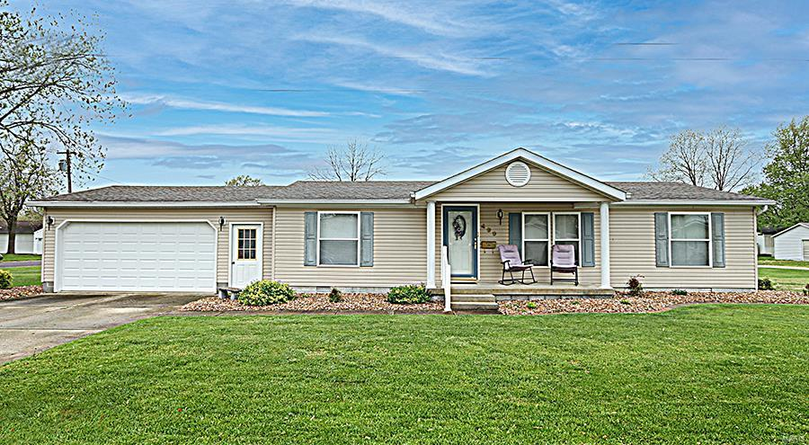 499 S Clinton Street Property Photo - Breese, IL real estate listing