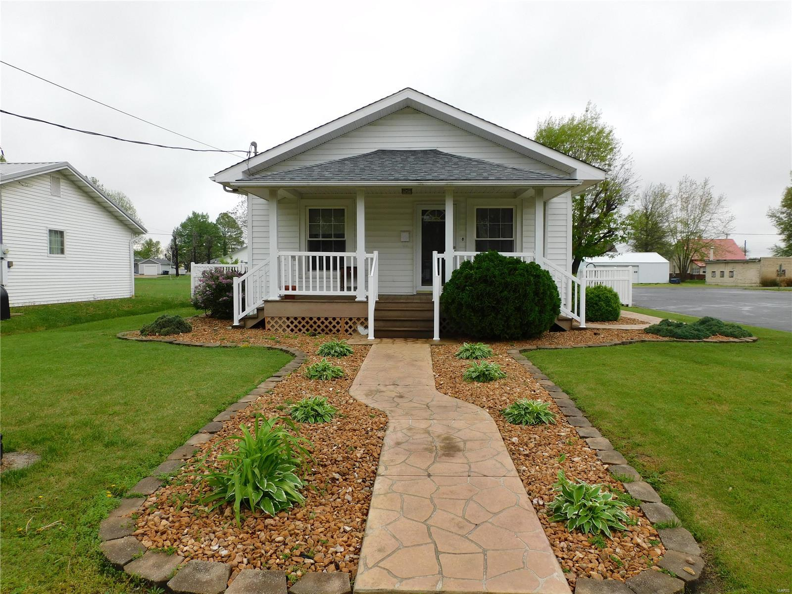 607 West Illinois Property Photo - Steeleville, IL real estate listing