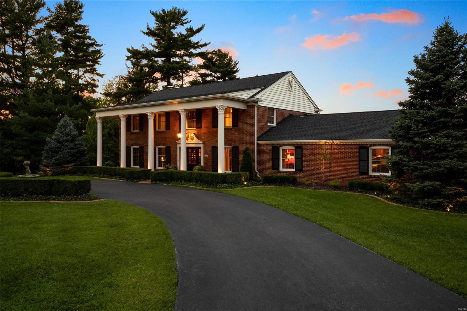 133 Ladue Oaks Drive Property Photo - Creve Coeur, MO real estate listing