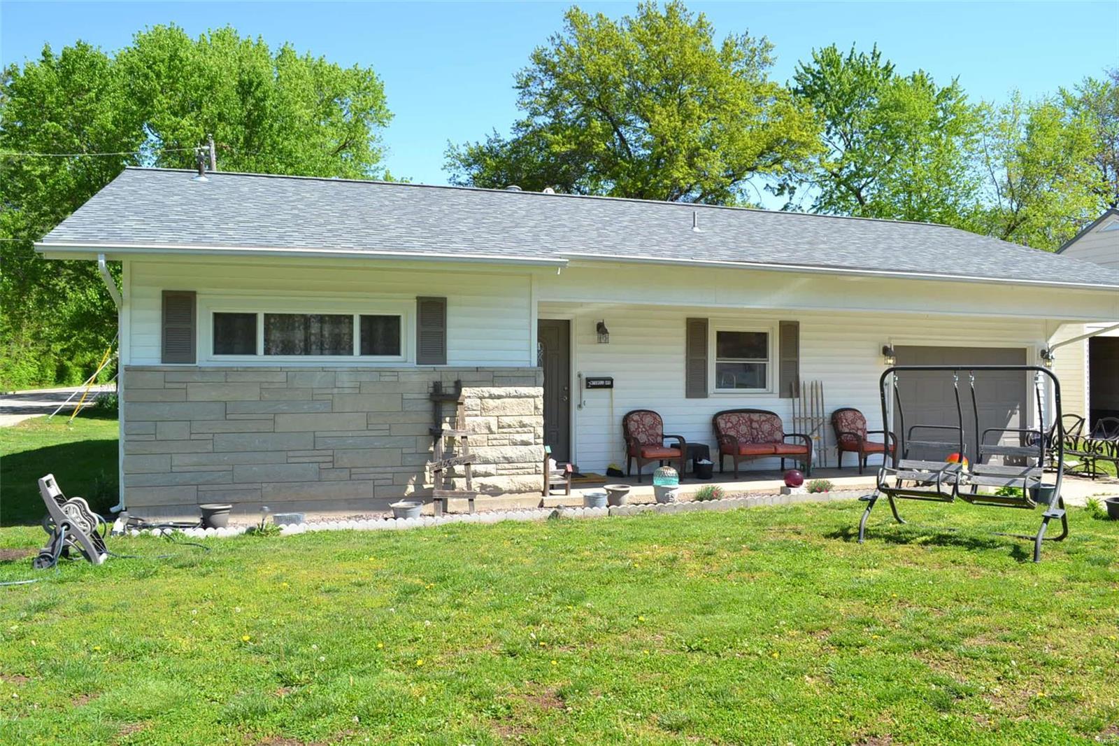 2 Mitchell Avenue Property Photo - Centralia, IL real estate listing