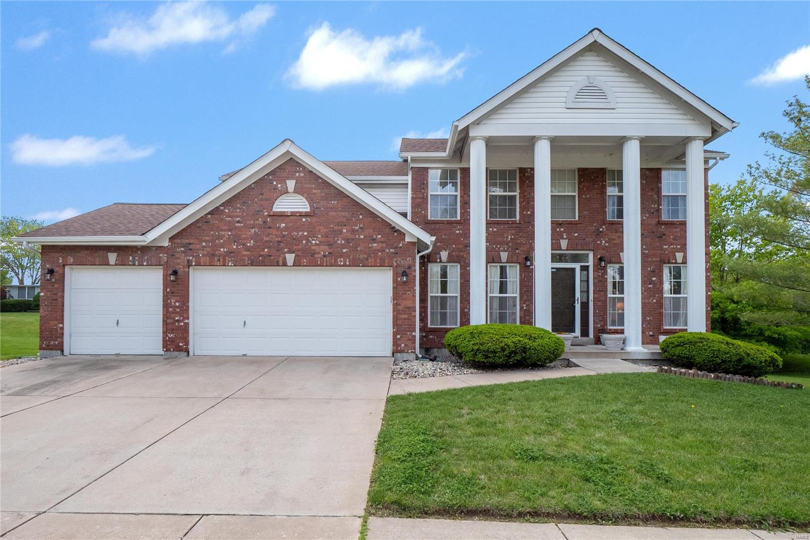 15568 Debridge Way Property Photo - Florissant, MO real estate listing