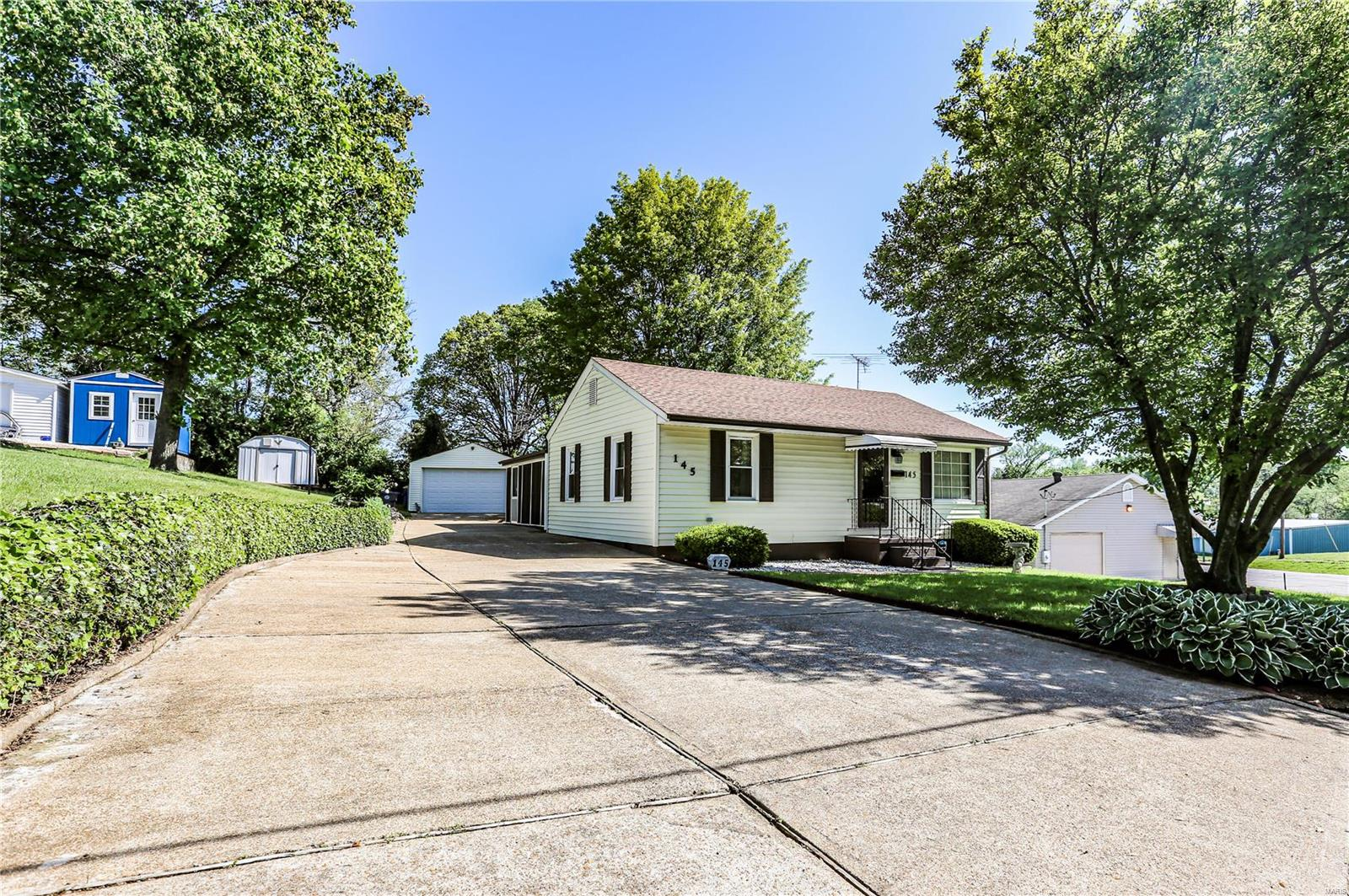 145 Sincox Street Property Photo - St Clair, MO real estate listing