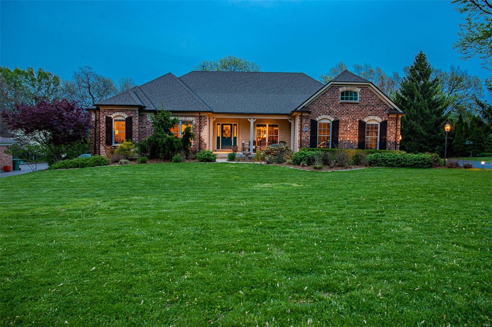2228 Whitby Road Property Photo - Chesterfield, MO real estate listing