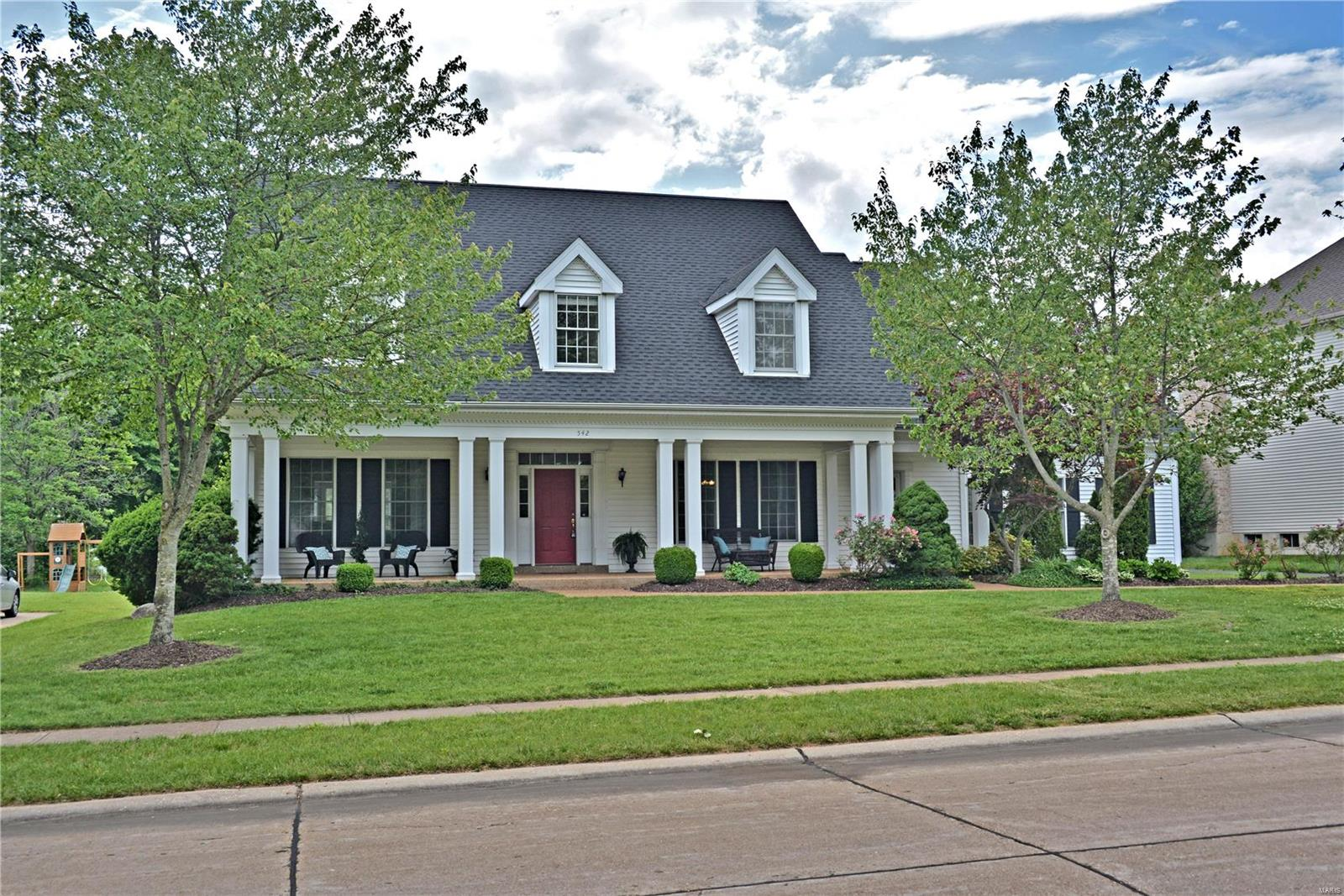 542 Claymont Place Drive Property Photo - Ballwin, MO real estate listing