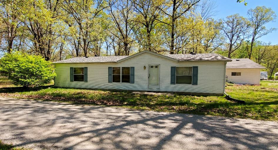 21566 Timber Lane Property Photo - Mount Olive, IL real estate listing