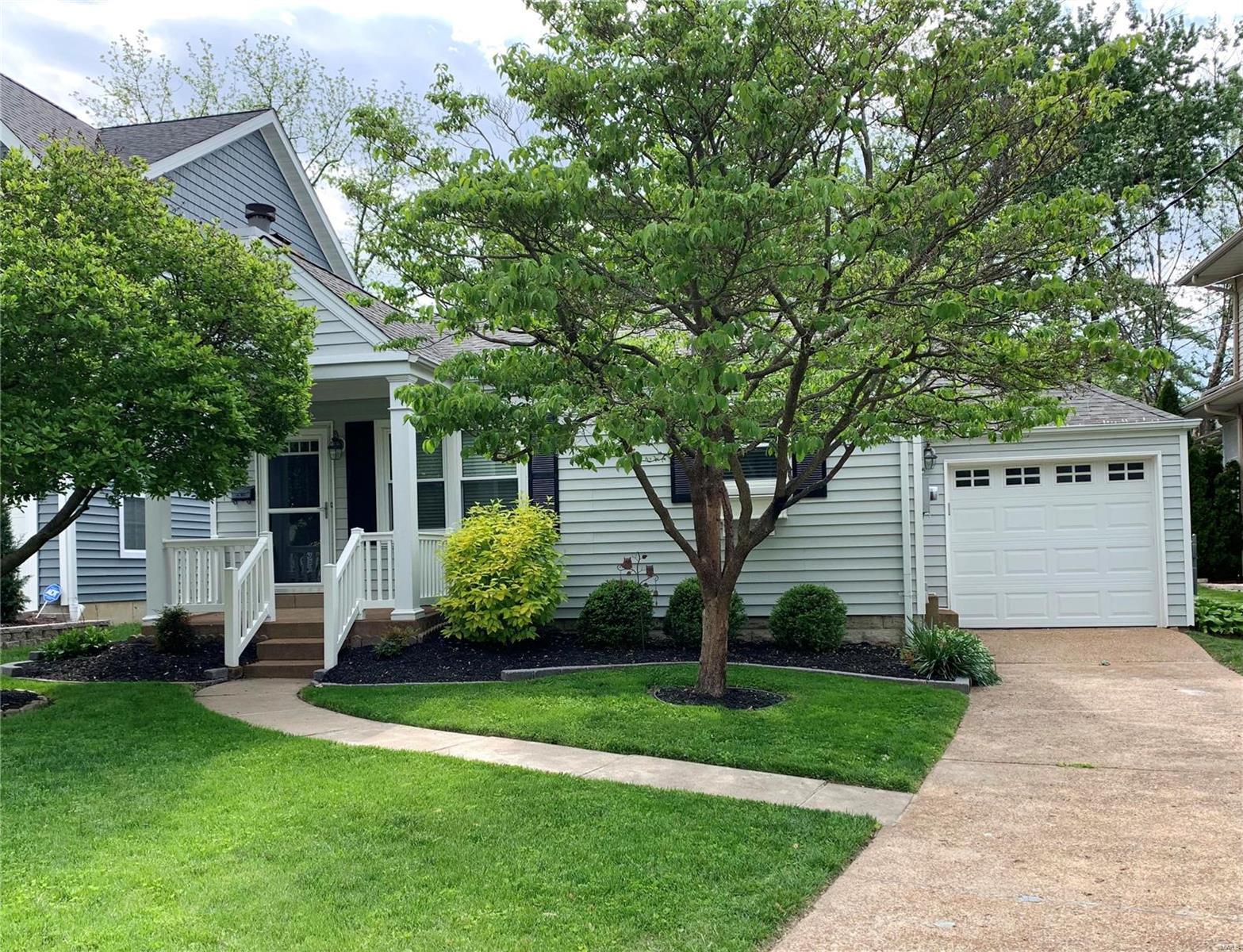 913 Cleveland Avenue Property Photo - Kirkwood, MO real estate listing