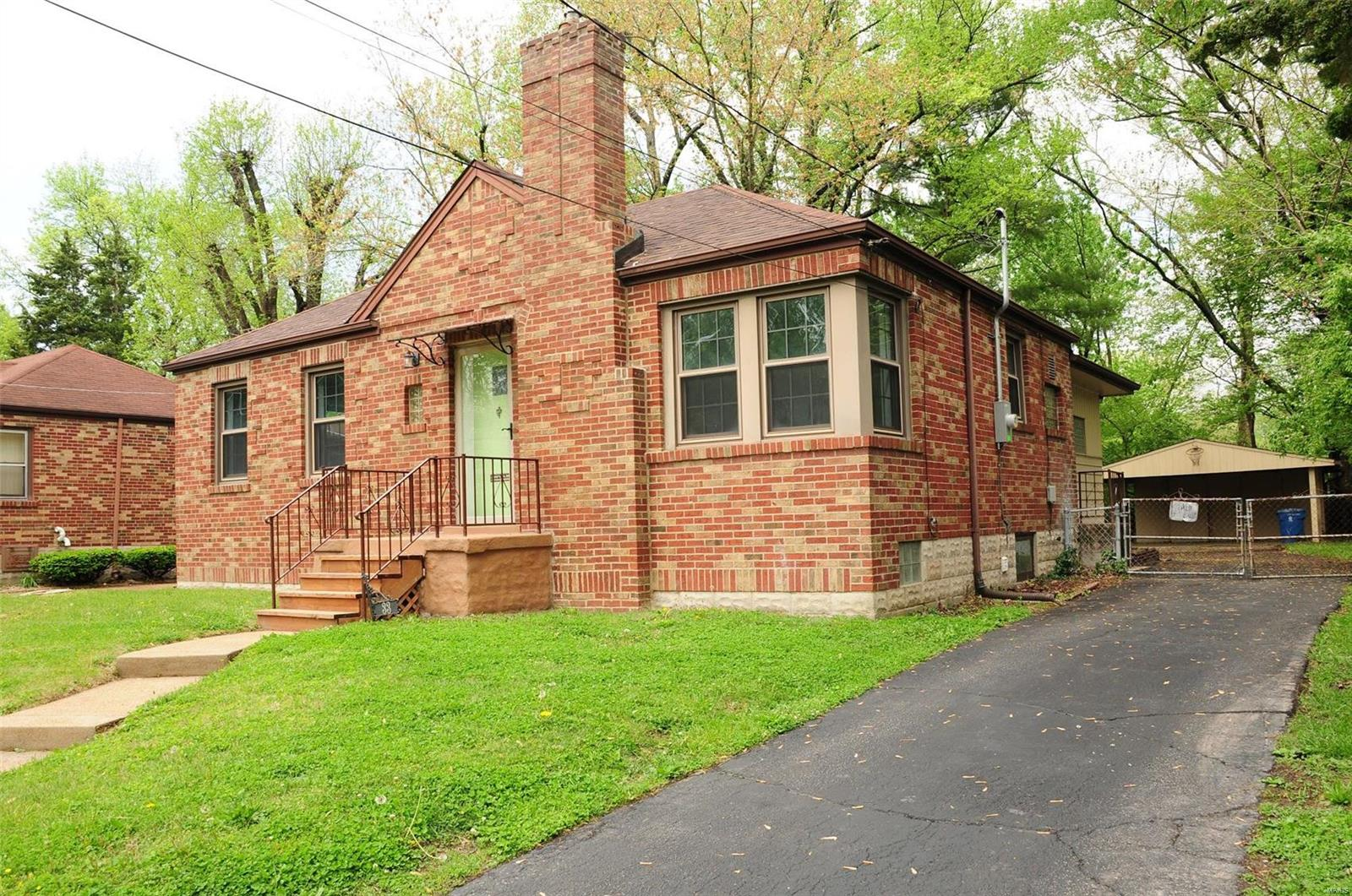 33 Lee Avenue Property Photo - Ferguson, MO real estate listing