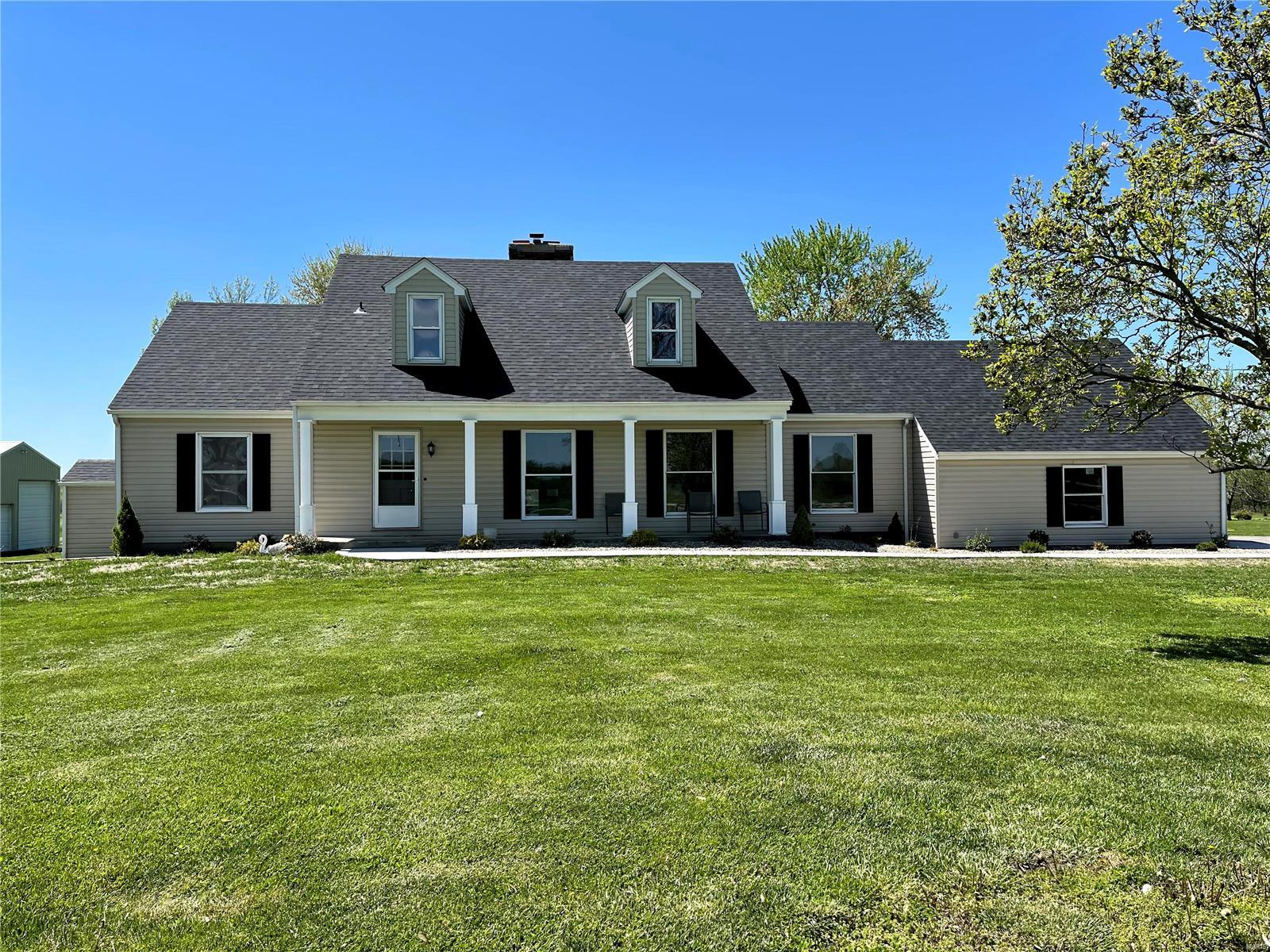13109 Cheyenne Dr Property Photo - New London, MO real estate listing